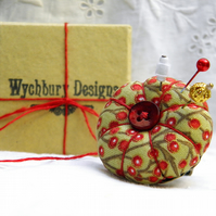 Red Berries, Pumpkin Pincushion Ring - Green