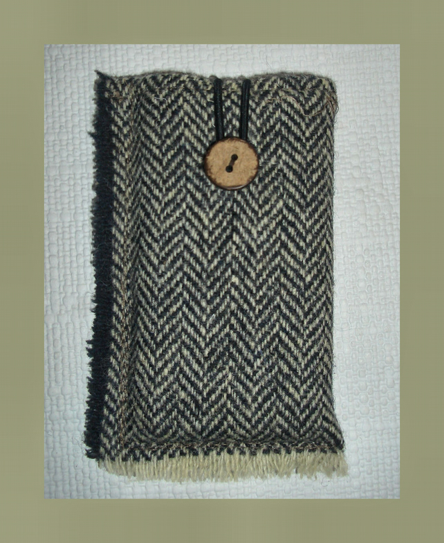 Harris Tweed slimline iphone case lined with Wool Felt