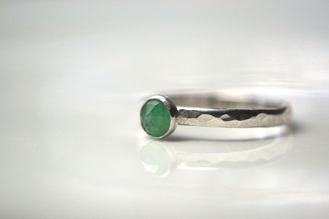 May birthstone - Emerald rose cut stacking ring