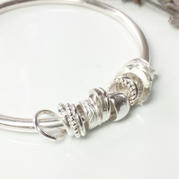 Chunky 4mm ring charm bangle