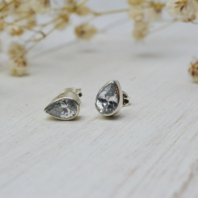 Sparkly pear cubic zirconia silver earrings