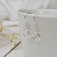 Simplicity circle dangle earrings
