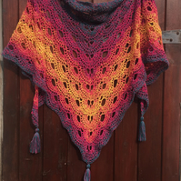 Crochet lace design virus scarf or shawl