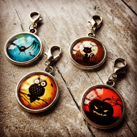 Progress stitch markers Halloween cabochons set of 4