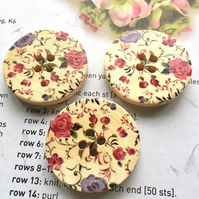 Rambling roses wooden buttons x5