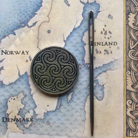 Needle minder or keeper Norse