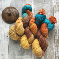 Hand dyed knitting yarn DK Merino Wind flower 100g