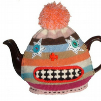 KNITTED MONSTER TEACOSY