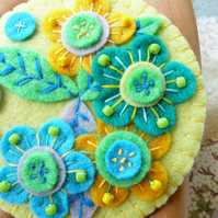 FY053 - JAPANESE ART INSPIRED HANDMADE FELT BROOCH- LEMON