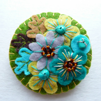 Japanese Art Inspired Handmade Mini Felt Brooch - mint green