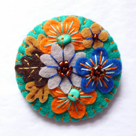 FB066 - Japanese Art Inspired Handmade Mini Felt Brooch - Petrol Blue
