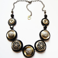 UK free shipping - Vintage Metal Button Necklace - One-Of -A-Kind  FY-016