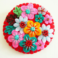 Japanese Art Inspired Felt Brooch - Red