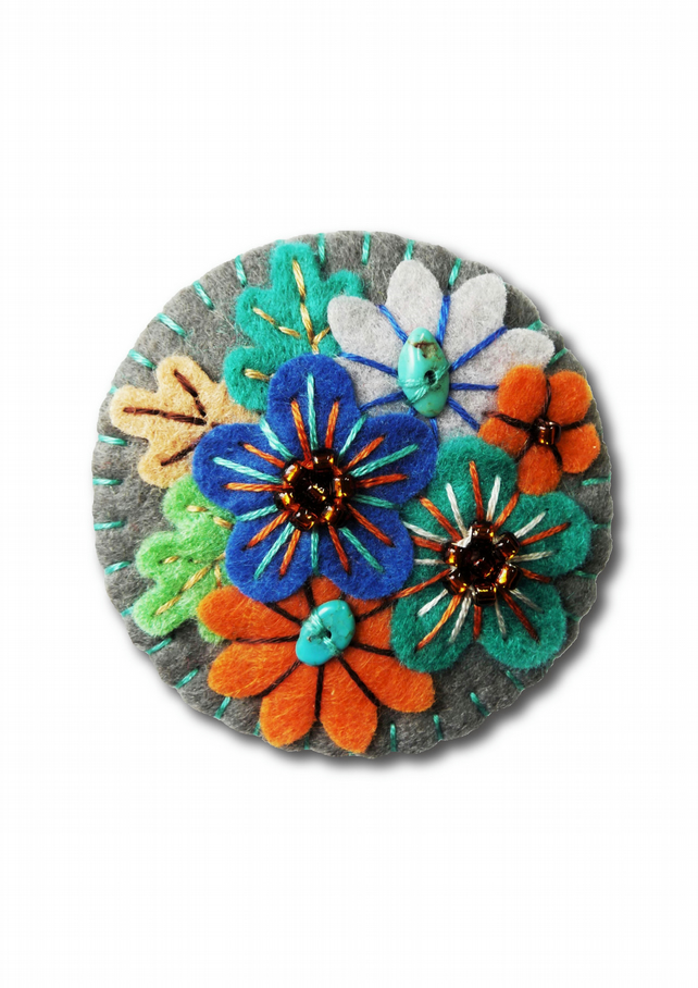 FB142  - Japanese Art Inspired Handmade Mini Felt Brooch - Dark Grey