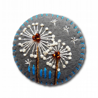 FB-039 - Dandelion inspired handmade felt brooch - Grey