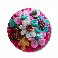 FB064  - Japanese Art Inspired Handmade Mini Felt Brooch- Grape