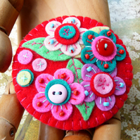 Frida kahlo inspired handmade statement felt brooch - Lipstick Red