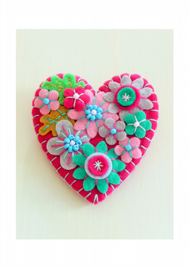 ON SALE - 15% off - Japanese Art Inspired Heart Shape Felt Brooch