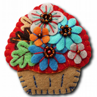 Time For Tea and Enjoy An Irresistible Mini Cupcake Brooch - Red