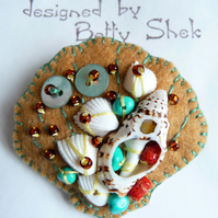 Beside The Seaside Theme -  mini size Sea Shell Design Handmade Felt Brooch