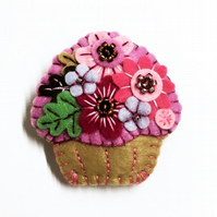 FB115 - Time For Tea and Enjoy An Irresistible Mini Cupcake Brooch - Lilac
