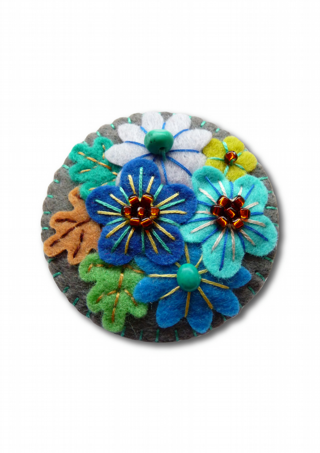 Japanese Art Inspired Handmade Mini Felt Brooch - Dark Grey