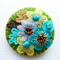 Japanese Art Inspired Handmade Mini Felt Brooch - Mint