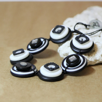Black and white colors - Vintage Button Adjustable Bracelet