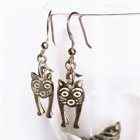 Gifts for CAT lovers - 925 sterling Silver hand cast Cat Design Earrings