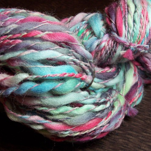 Hanspun thick and thin spiral yarn