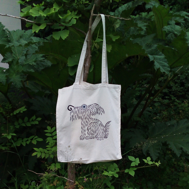 Hairy dog tote bag