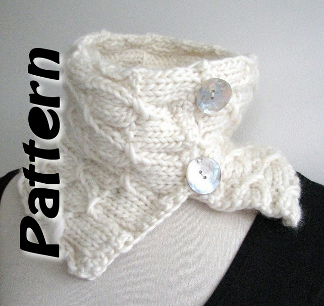 Knitting Pattern Scarf With Button : Chunky button scarf knitting pattern pdf - Folksy