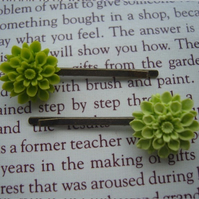 Green Flower Hairgrips