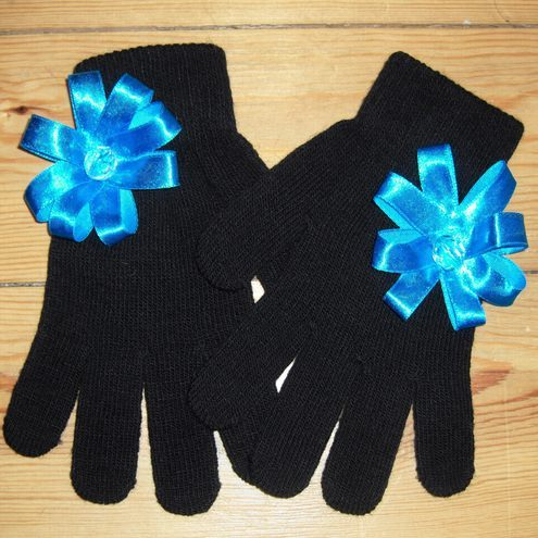 'Glamour Gloves'