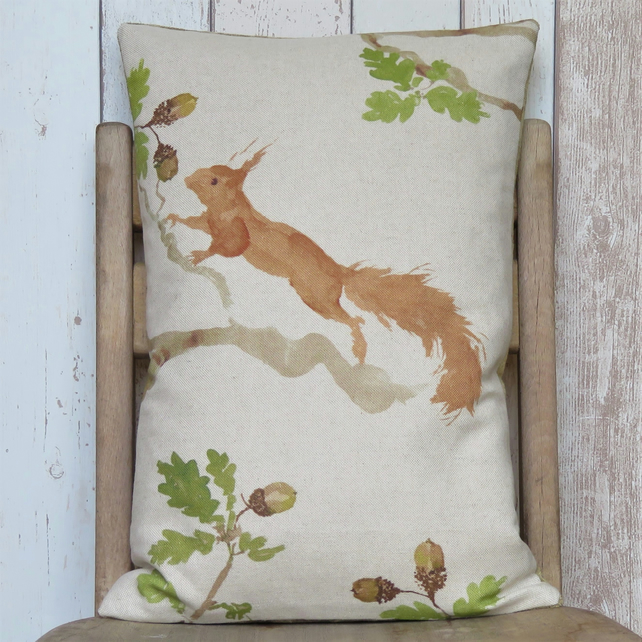 Red Squirrel Cushion - Vertical
