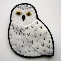 SALE: Snowy Owl, felt bird brooch