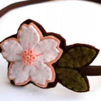 SALE: White Cherryblossom, felt flower hairband