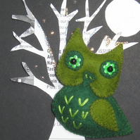 Sage the Owl Felt Brooch
