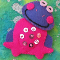 Lady Fuschia the Frog Felt Brooch