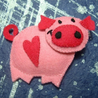 Valentine the Piggy Felt Brooch