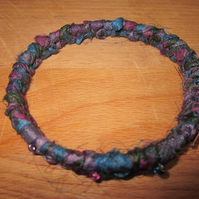 Textile bangle 'Violacea' small to medium - recycled sari silk
