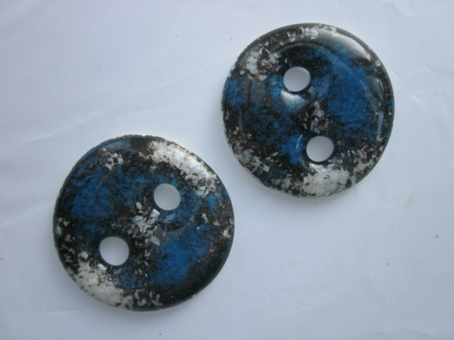 Handmade pair of cast glass buttons - Round deep blue marble