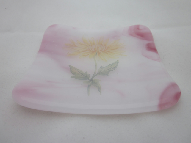 Handmade  fused glass trinket bowl or soap dish - pink marble with chrysanthemum