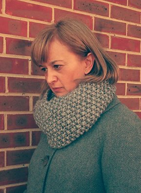 hand knitted moss stitch infinity scarf Sold