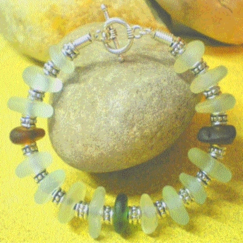 RARE GENUINE GREEN BROWN CLEAR SEA GLASS GEMS BRACELET