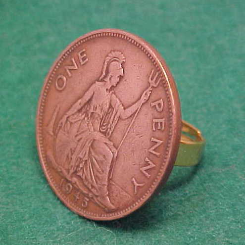 Old penny coin ring. Britannia 1945. Adjustable