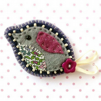 Sale! Felt Bird Brooch