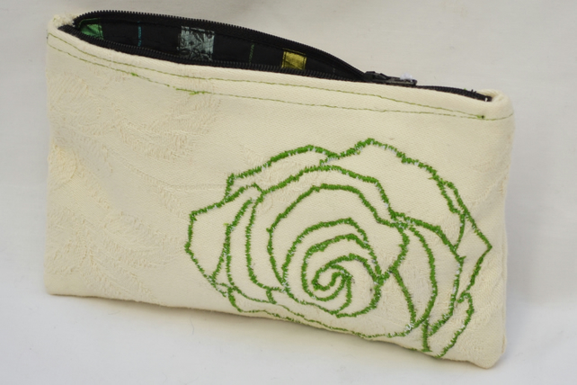 Cream small purse with embroidered Green flower