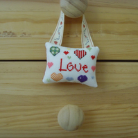 Love Hanging Tag