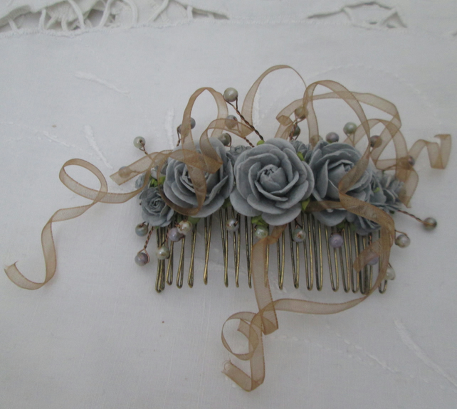 Hair comb blue grey roses bronze